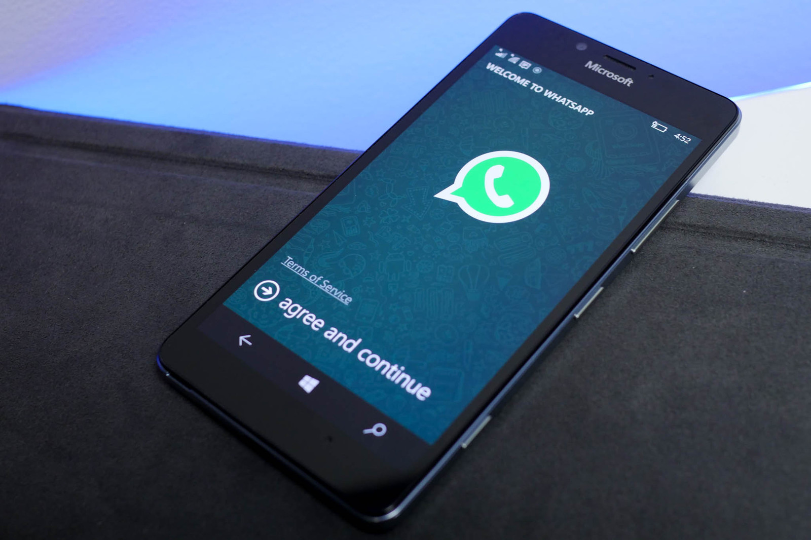 How to Track Someone's WhatsApp without Their Phone